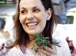 Carolina Ferraz mostra paixão por cozinha e ensina 5 receitas