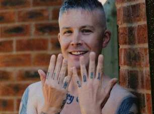 Aos 40 anos, homem tem 22 tatuagens em homenagem a Miley Cyrus