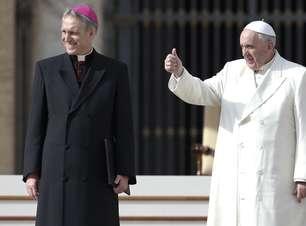 Papa pede a católicos que não fofoquem após a missa