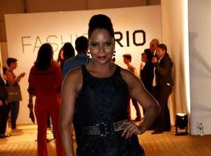 De minissaia, A. Bombom vai ao Fashion Rio; veja famosos