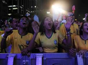 SP: com sósias, torcedores lotam Fan Fest para ver Brasil