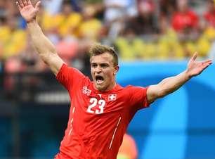 Autor de três gols, Shaqiri comemora classificação da Suíça