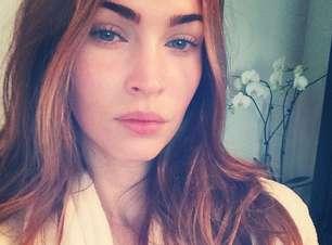Megan Fox posta foto de 'cara lavada' nas redes sociais