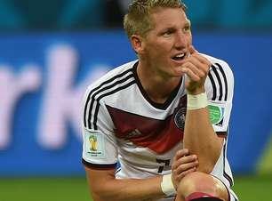 """""""Discreto"""" na Copa, Schweinsteiger mantém qualidade; veja"""