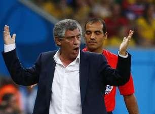 Expulso na Copa, ex-técnico da Grécia é suspenso por 8 jogos