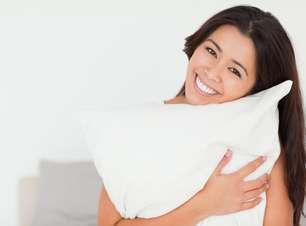 Atrito entre rosto e travesseiro pode provocar rugas