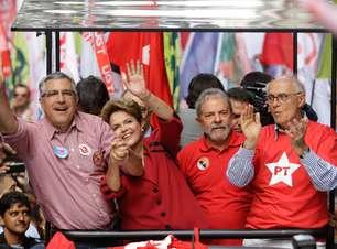 """Dilma faz carreata """"silenciosa"""" com elite petista em SP"""