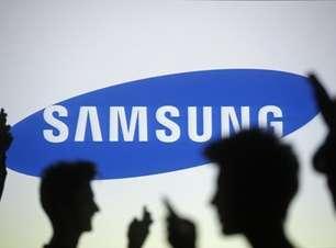 Samsung aposta em celulares de tela curva para bater rivais