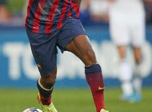 Joia do Barcelona cita Gaúcho e Ronaldo como seus exemplos