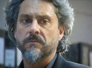 'Império': delegado deixará Zé Alfredo preso por um tempo