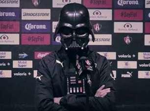 "Clube mexicano ""apresenta"" Darth Vader no Dia do Star Wars"