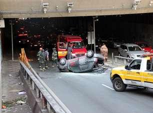 vc repórter: carro despenca de viaduto após colisão em SP