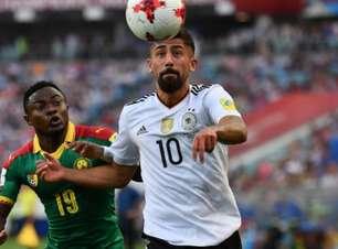 Alemanha bate Camarões em 2º tempo animado e termina líder