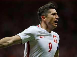 Polônia faz 4 e vai à Copa; Dinamarca garante repescagem