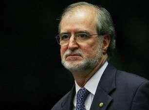 Justiça determina soltura de Azeredo, ex-governador de MG