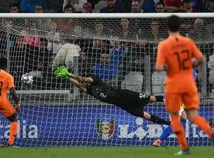 Com gol no fim, Holanda empata com Itália em amistoso