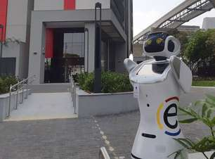Hotel paulista é o primeiro a ter robô-mulher para hóspedes