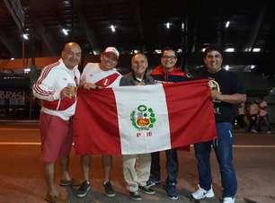 """Peruanos e chilenos """"reforçam"""" torcida contra a Bolívia"""
