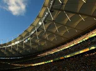 'Fúria' contra o Brasil? Seleção volta a Salvador com promessa de 'axé' de Dani Alves