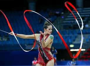 Natalia Gaudio é medalha de bronze na ginástica rítmica