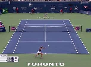 WTA Toronto: Kenin vence Barty (6-7, 6-3, 6-4)