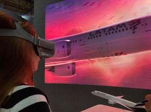 Óculos de realidade virtual viram febre em feira de turismo