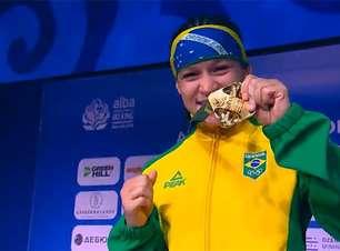 Bia Ferreira bate chinesa e é campeã mundial de boxe