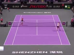 TÊNIS: WTA Finals: Barty vence Kvitova (6-4, 6-2)