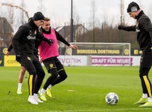 Borussia Dortmund busca colar nos líderes contra o Hoffeiheim