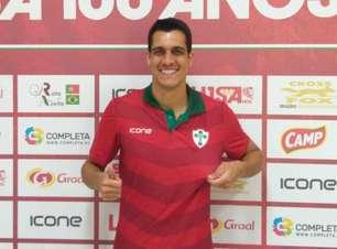 Portuguesa oficializa a contratação de volante que passou pelo Vasco