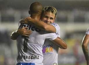 Soteldo brilha e Santos vence fácil o Botafogo-SP