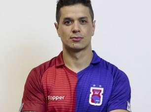 Volante Luan estende o seu contrato com o Paraná