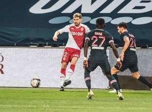 Em grande fase, Caio Henrique comemora vitória sobre PSG