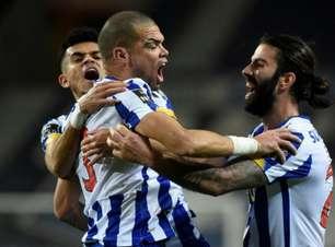 Porto marca duas vezes no segundo tempo e consegue vitória sobre o Paços de Ferreira pelo Português