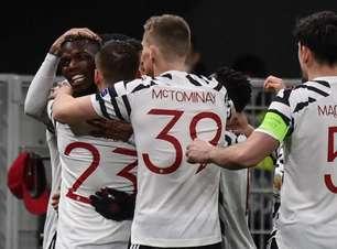 Com gol de Pogba, United vence Milan e avança na Liga Europa