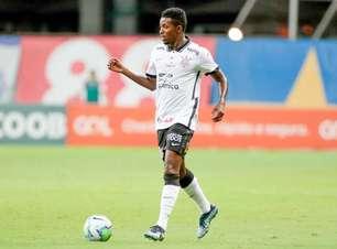 """Cafú fala sobre falta de sequência no Corinthians e dispara: """"Vi algumas coisas lá dentro que não achava certas"""""""