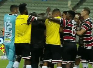 Santa Cruz sofre, mas vence Fortaleza fora de casa e segue vivo na Copa do Nordeste