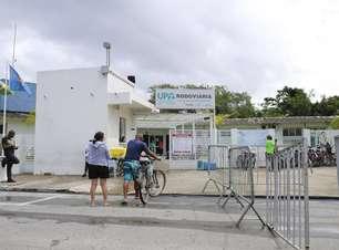 Pacientes são transferidos às pressas após vandalismo em UPA de covid no Guarujá
