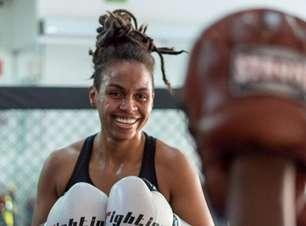 Recuperada de lesão no joelho, Luana Dread analisa duelo diante de Poliana Botelho: 'Pronta para qualquer coisa'
