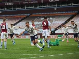 Manchester City leva gol no 1º minuto, mas vence Aston Villa