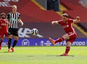 Liverpool desperdiça muitas chances e leva empate no último minuto