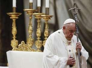 """Papa abre """"maratona"""" global de orações pelo fim da pandemia"""