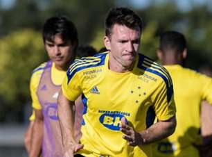 Eduardo Brock faz balanço positivo de seu início no Cruzeiro e projeta semifinais do Campeonato Mineiro