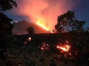 Vulcão Pacaya volta a ficar ativo na Guatemala e libera novo fluxo de lava