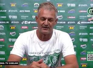 """AMÉRICA-MG: Lisca dedica vitória sobre o Cruzeiro a torcida pelos 109 anos do clube e provoca o rival: """"Mineiro não é prioridade nossa, a Série A é"""""""