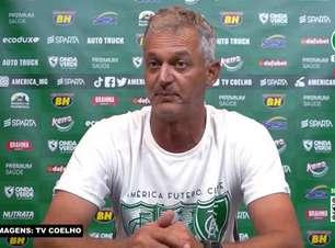 """AMÉRICA-MG: Lisca vê equipe abaixo do esperado em vitória sobre o Cruzeiro e avalia positivamente as suas substituições: """"De vez em quando a gente acerta"""""""