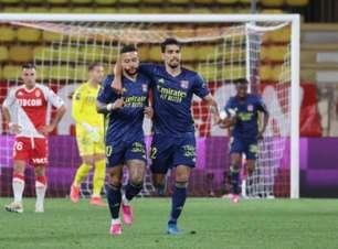 Em confronto direto e com um a menos, Lyon vence o Monaco com gol aos 44 minutos do segundo tempo