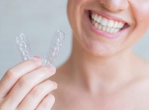 Alinhadores transparentes: saiba mitos e verdades sobre o método odontológico