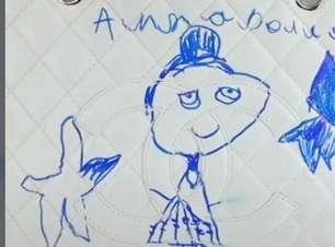 Menina faz desenho de caneta em bolsa Chanel de R$ 15 mil