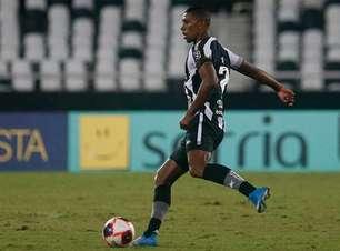 Após classificação do Botafogo, Kanu fala sobre reestruturação do time e diz: 'Vamos honrar esse clube'